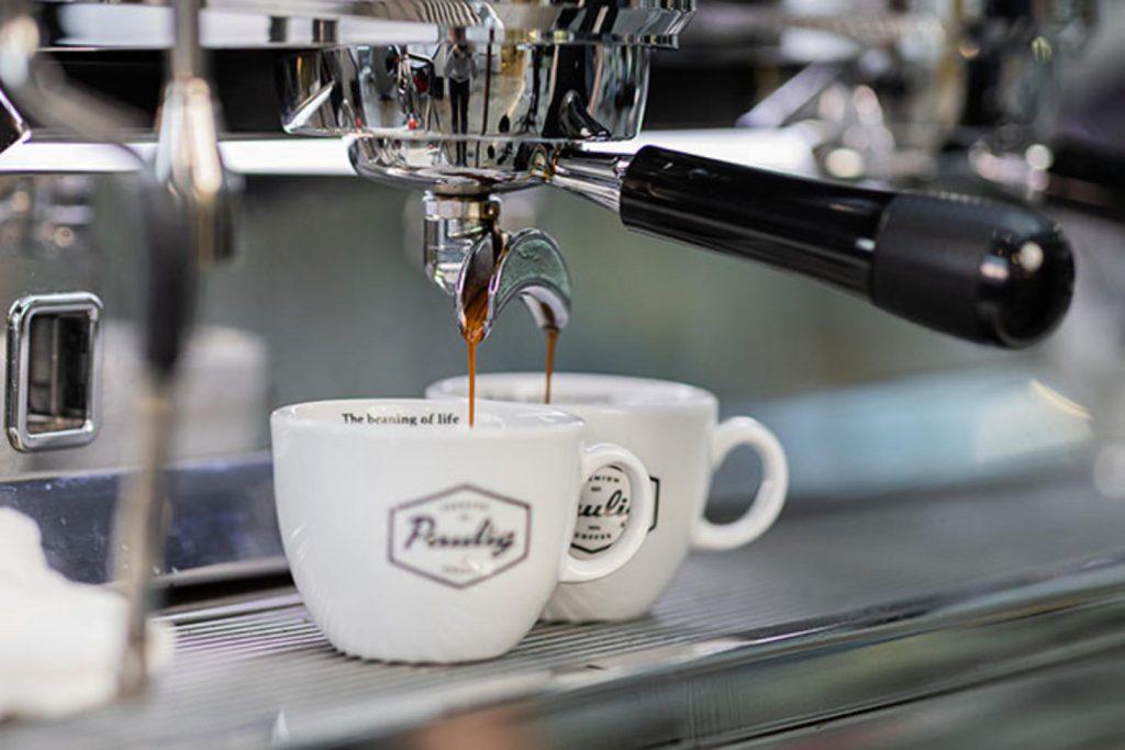 кофемашина и кофе