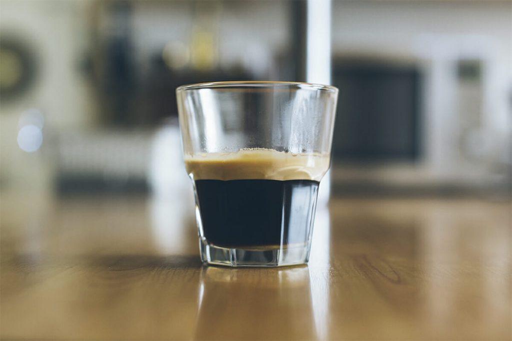 Эспрессо Романо в стакане