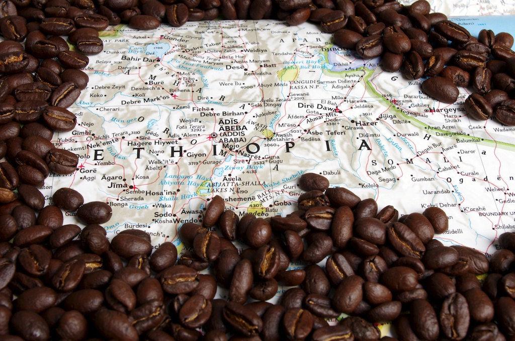 кофейные зерна на карте Эфиопии