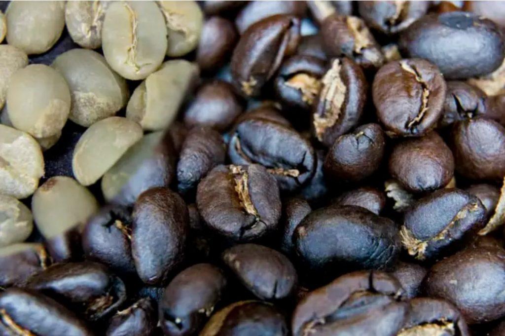 зеленый и обжаренный кофе