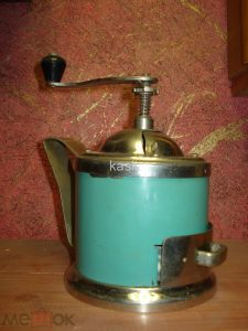 старинная советская кофемолка