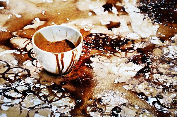 чашка кофе и картина