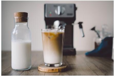 кофе с молоком у кофемашины